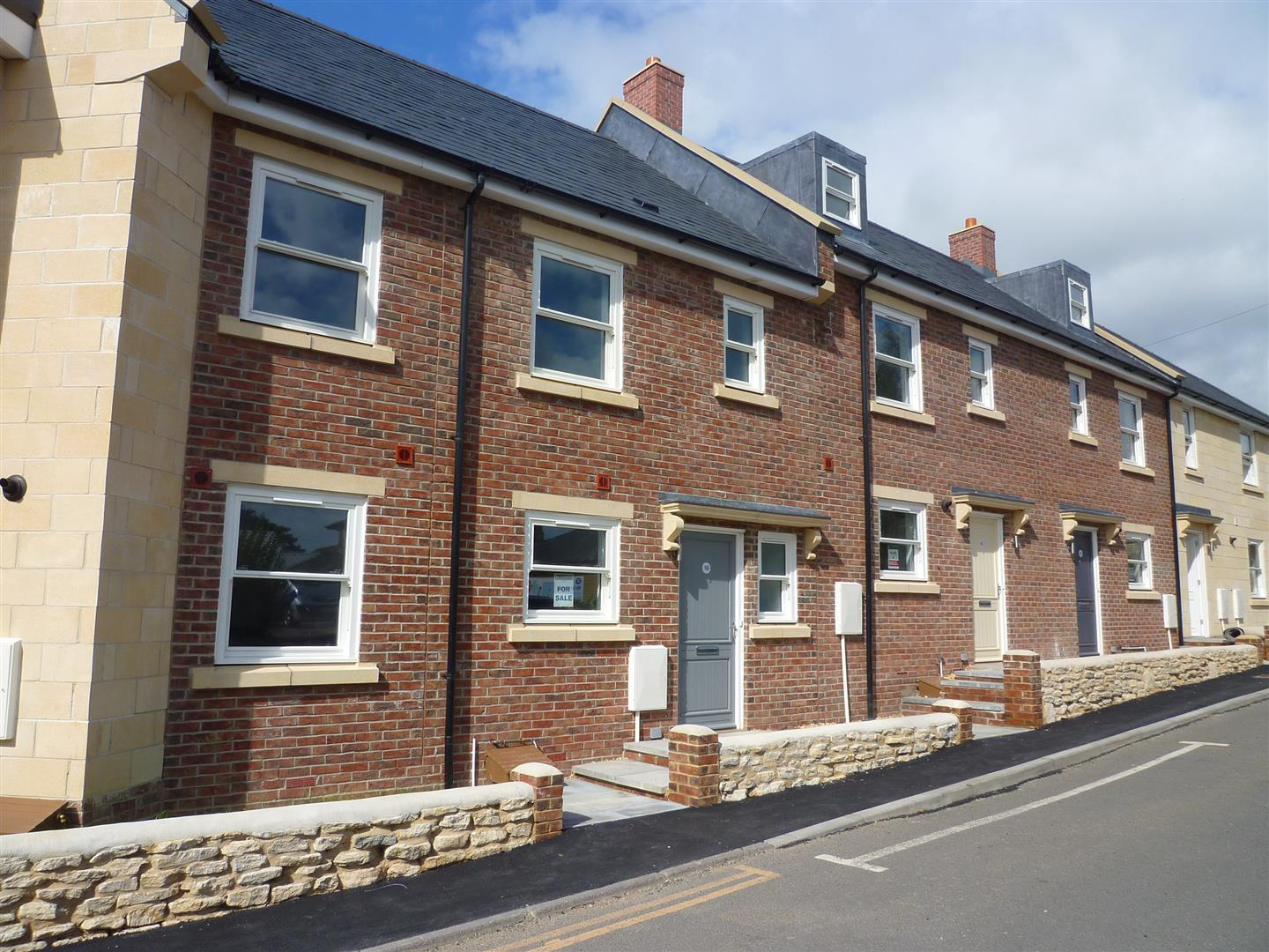 2 Bedrooms Terraced House for sale in Trowbridge